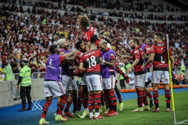 Flamengo decide leiloar camisas autografadas do jogo contra o Barcelona-EQU