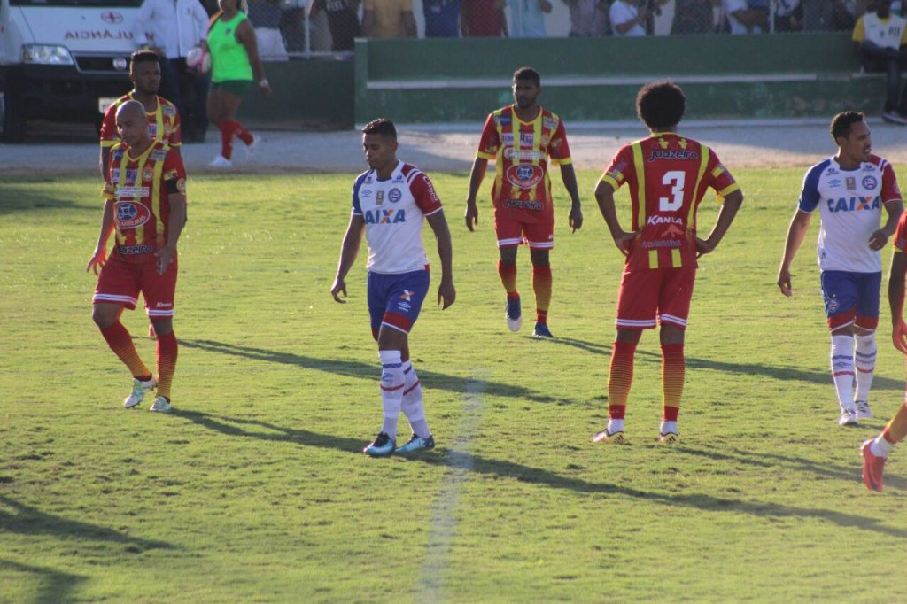 Resultado de imagem para Bahia começa atrás, vence a Juazeirense de virada e se garante na semifinal do Baiano