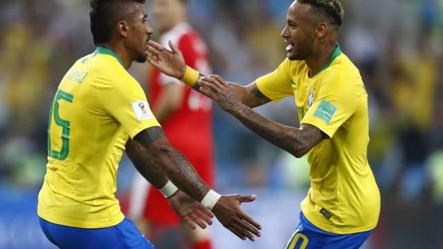 Resultado de imagem para Brasil ganha da Servia e se garante em primeiro no Grupo E
