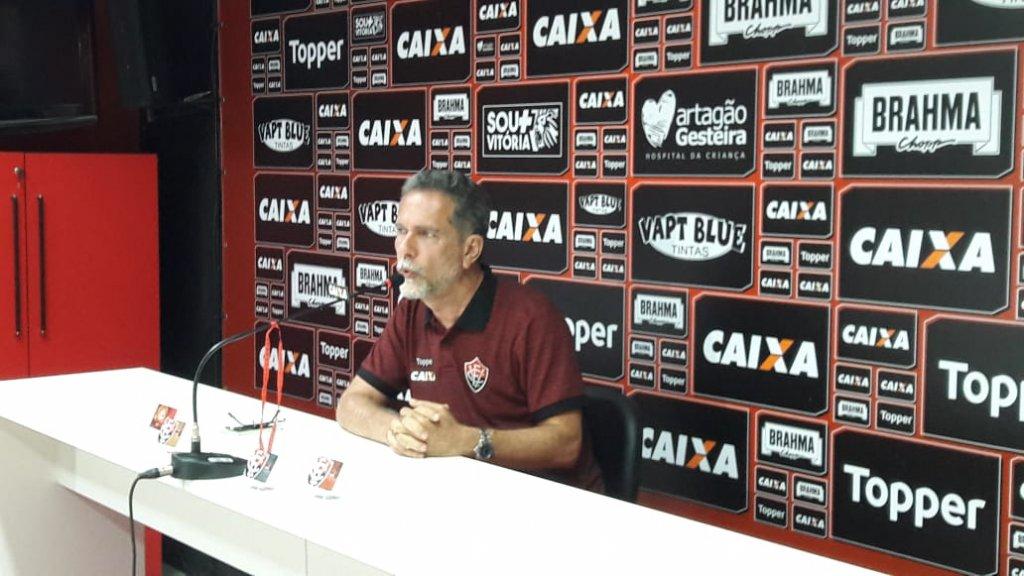 O Vitória vive um péssimo momento na temporada de 2018. Após o empate com o  lanterna e já rebaixado Paraná f989060daae4e