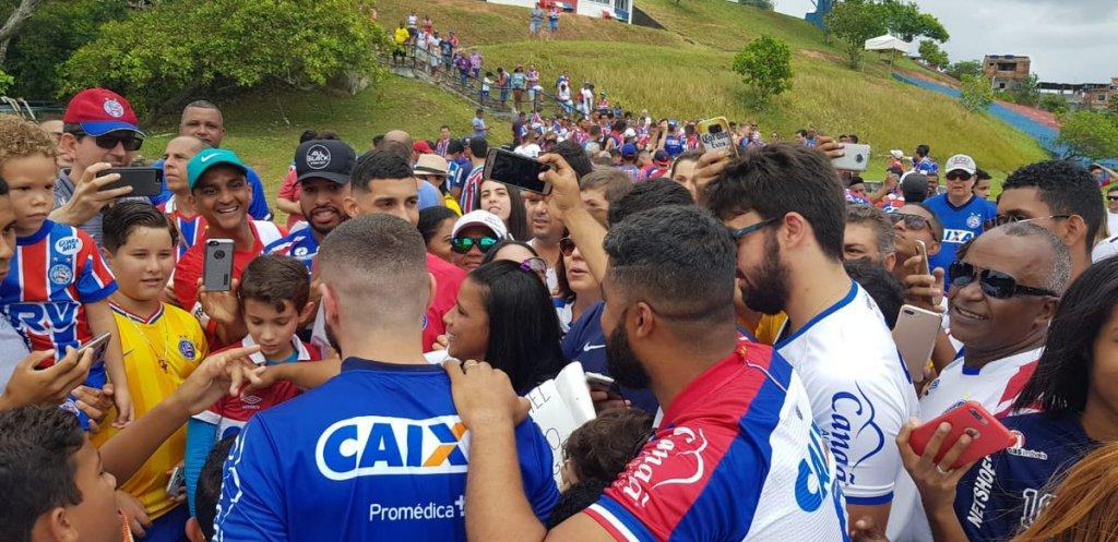 e632700539 Para essa partida o técnico Enderson Moreira não poderá contar com o  zagueiro Tiago e o volante Gregore