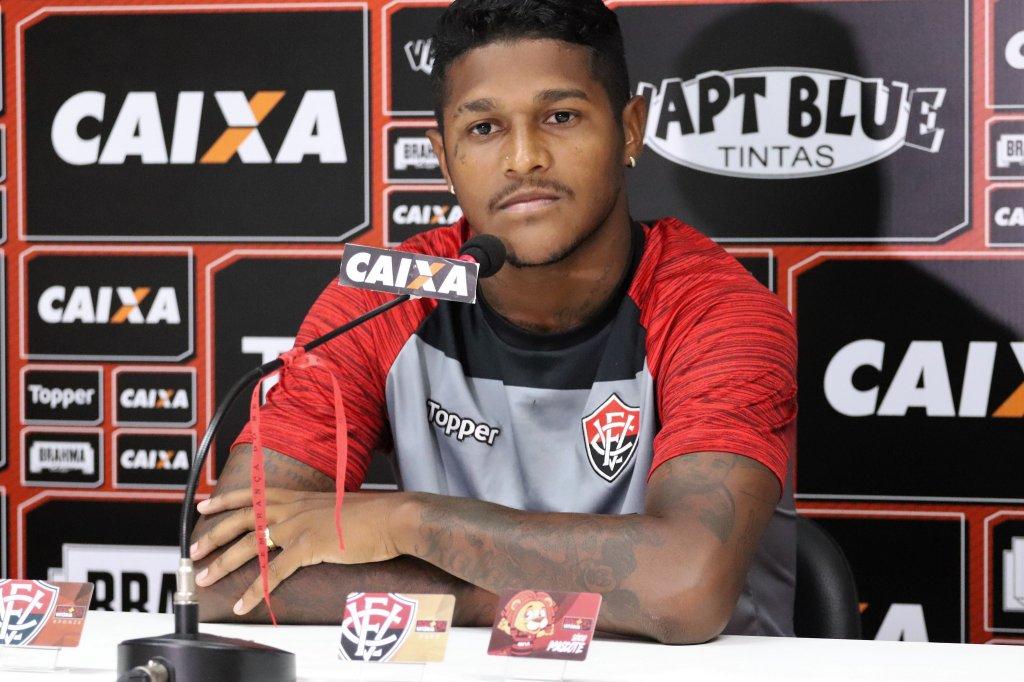 Jogador do Vitória entra para seleção dos piores do Brasileirão da ... 0b2c3179375e3