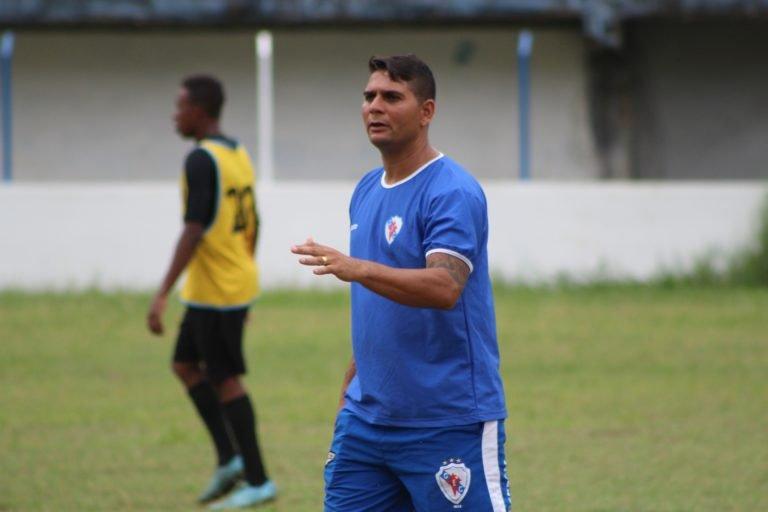 Lembra dele  Ex-jogador do Bahia fb81e889d098a
