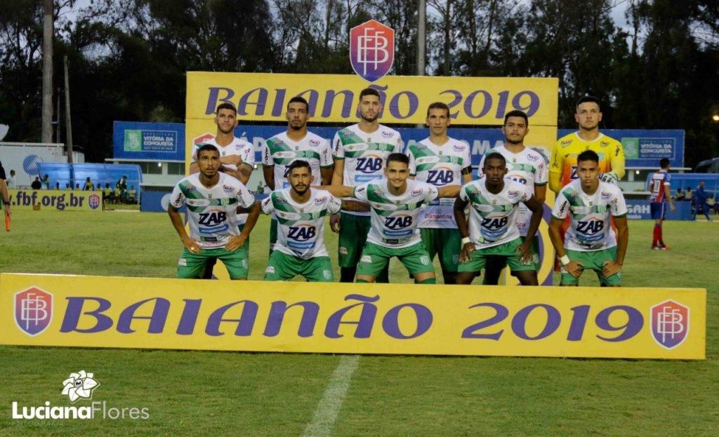 33308cf15261f Arthur Caculé foi o nome do jogo entre Vitória da Conquista e Fluminense de  Feira. O atacante fez os três gols do triunfo de virada do Bode