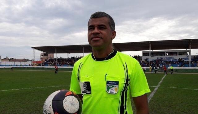 Reinaldo Silva de Santana apita partida entre Vitória da Conquista e Bahia  neste domingo - Notícias - Galáticos Online