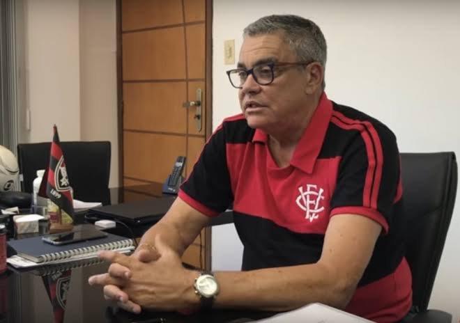 Por meio de nota, Paulo Carneiro explica afastamento do Vitória S/A -  Notícias - Galáticos Online