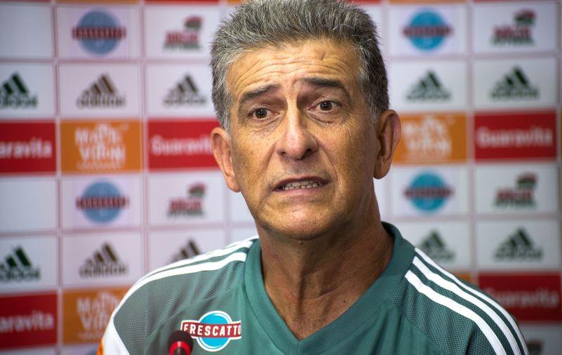 30e4b60566 O técnico Ricardo Drubscky acumula sua segunda demissão no futebol  brasileiro em apenas cinco meses. Depois de ser desligado do Vitória